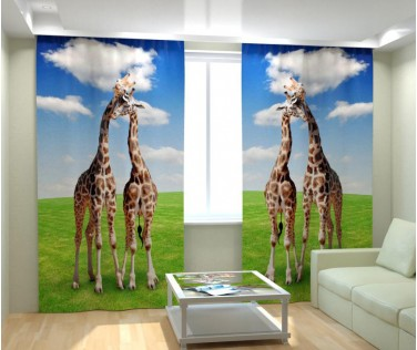 Фотошторы влюбленные жирафы
